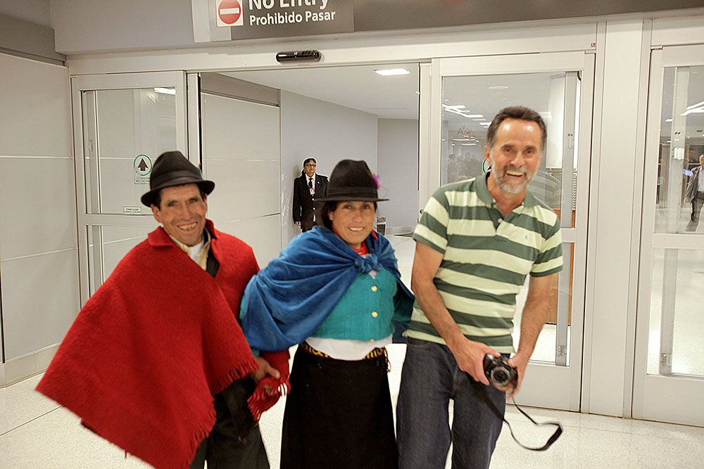 Rodrigo, Carmen and Baltazar arrive at baggage claim