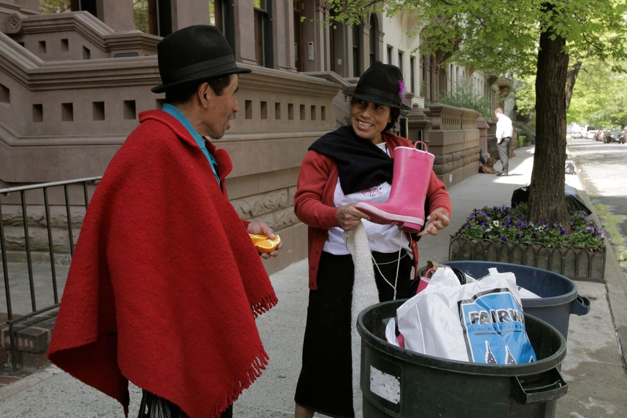 Carmen discovers that New Yorkers sometimes throw away perfectly good things